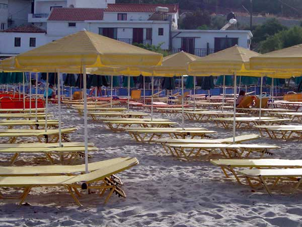 PSILI AMMOS - The organised part of Psilli Ammos with the umbrellas